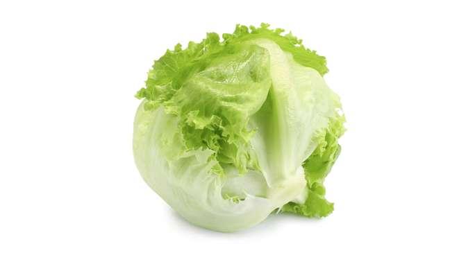 salat-cezar-s-korolevskimi-krevetkami-poshagovo-