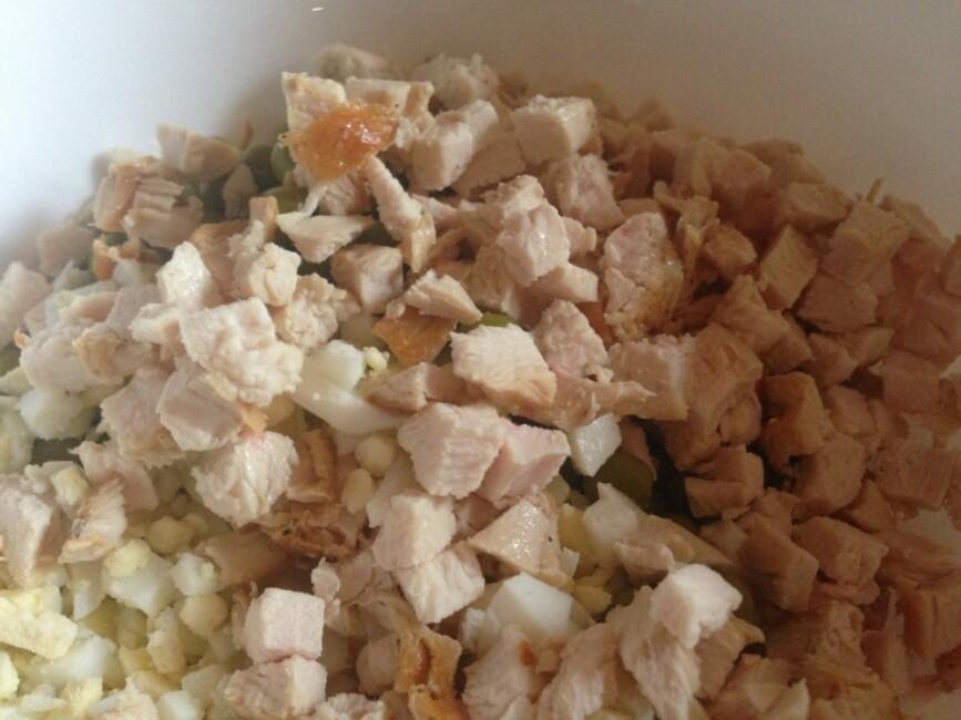 salat-s-kurinoj-grudkoj-kukuruzoj-syrom-i-yajcom-6