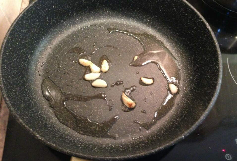 pasta-so-slivkami-i-bekonom-7