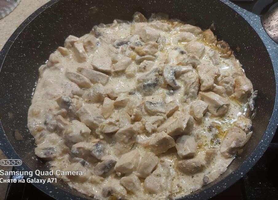 Куриное филе с грибами в сливках быстро и вкусно